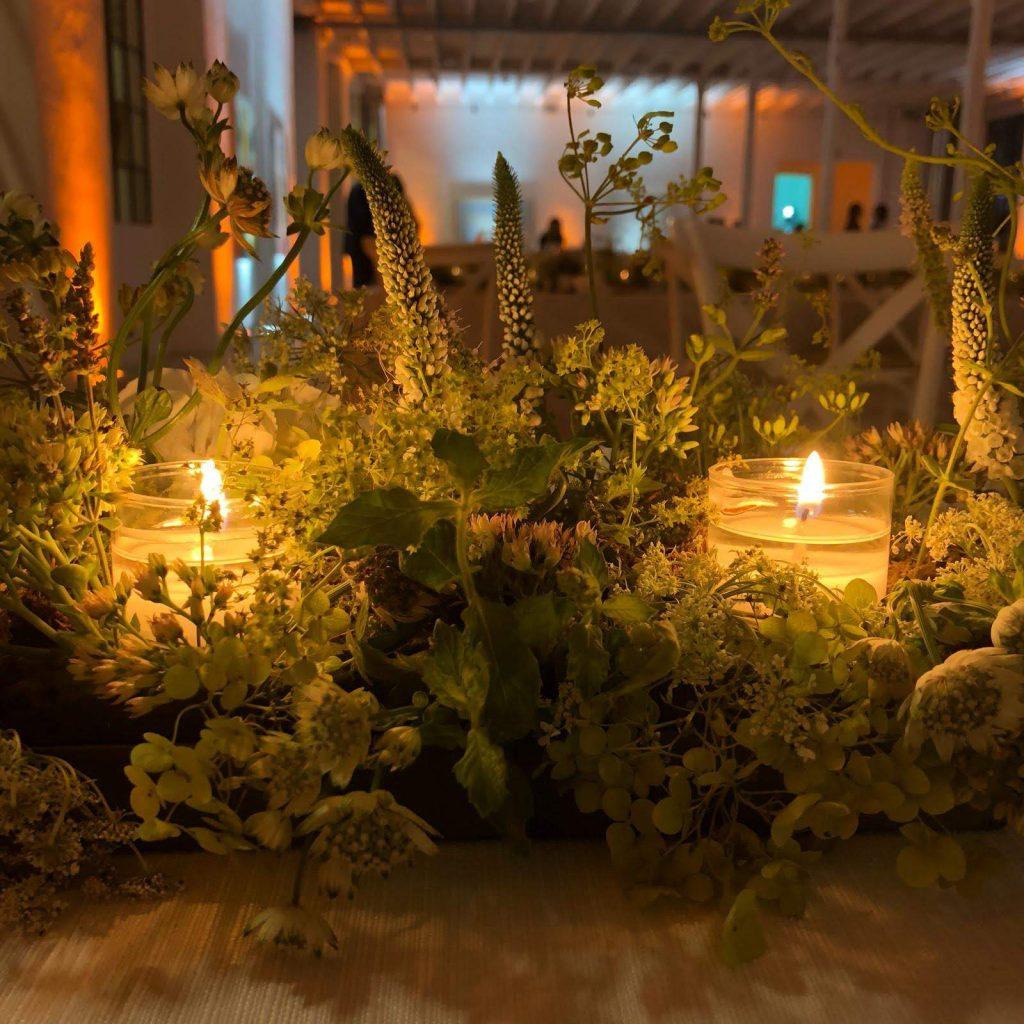 Addobbi floreali per ristorante festa di nozze