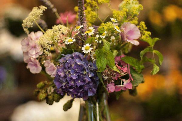 mazzetto di fiori in calice